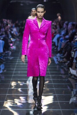 Is Balenciaga going to make shoulder pads a thing again ?!?!