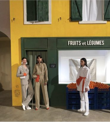"Paris Fashion Week: ""Place Jacquemus"" Jacquemus fall 2019 ready to wear collection !"