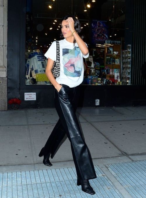 Dope Fashion Sense. Affordable way to recreate Kendall Jenner's Style. Kendall Jenner. Kendall Jenners Style. Girl walking.