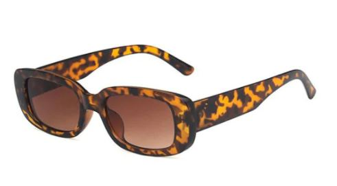 Retro rectangle sunglasses in a leopard print for the fall season and fall outfits.