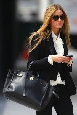 Celebrity wearing a Hermes Birkin Bag