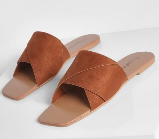 sandals for the spring season. where can i find comfrotable and affordable sandals. sandals for spring break. outfits for spring break 2021. Where can I buy summer sandals.